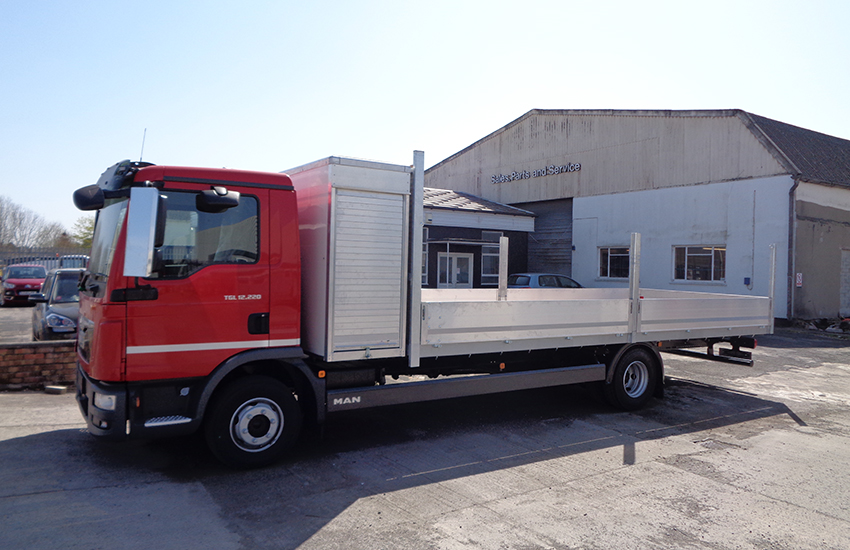 Dropside vehicle bodywork